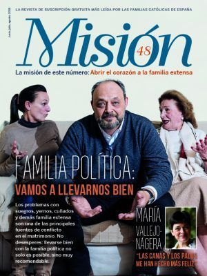 Revista Misión 48. Familia política