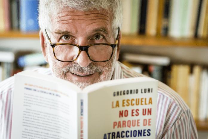 Gregorio Luri con su último libro: La escuela no es un parque de atracciones