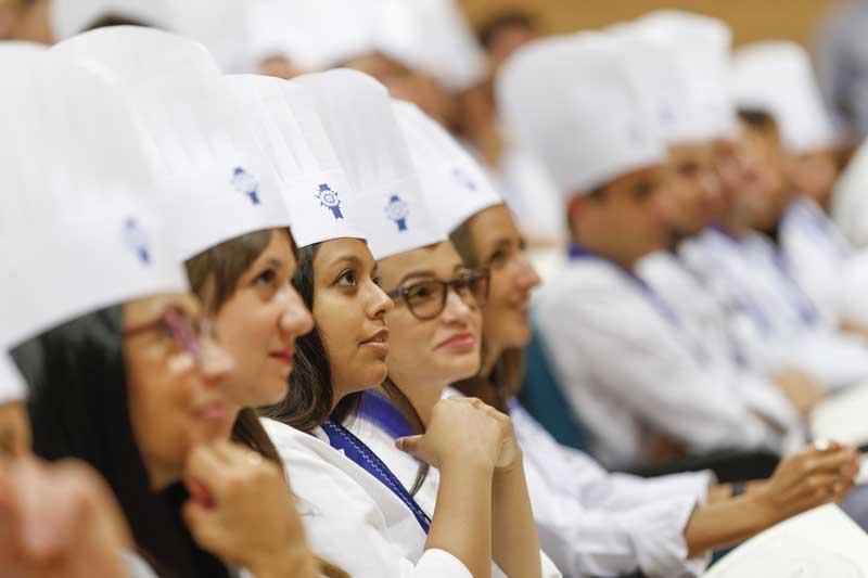 Cordon Bleu. Detalle-alumnas-graduación