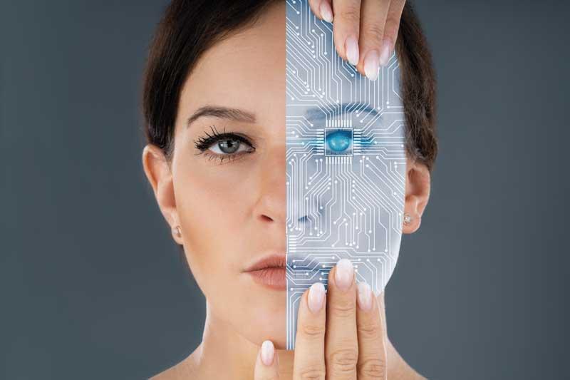 Mujer medio humano medio maquina